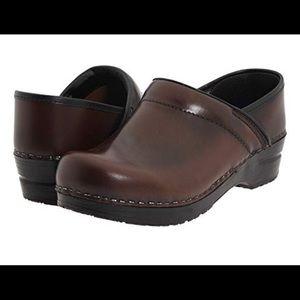 Sanita Professional Cabrio Clog in Brown Leather